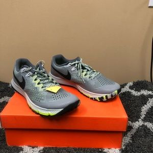 Nike Air Zoom men size 11